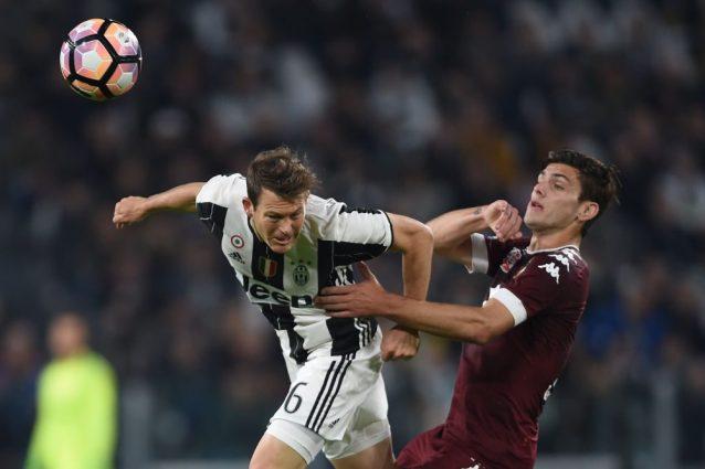 Ultime notizie mercato Juve: Lichtsteiner resta anche senza Champions League