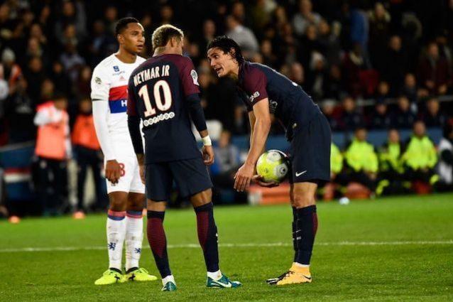 PSG, è rottura Cavani-Neymar: rissa negli spogliatoi dopo la lite in campo