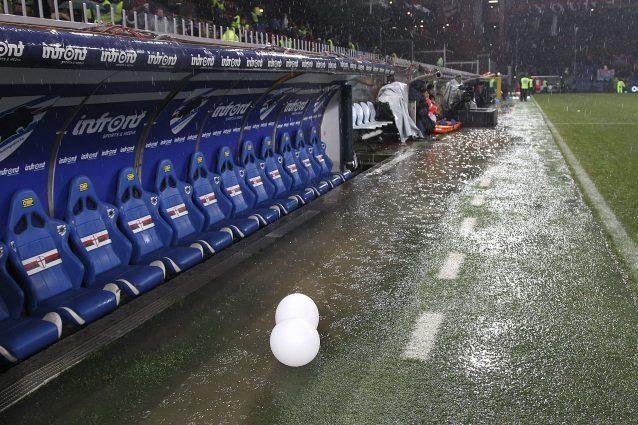 Meteo: maltempo e nubifragi, incognita sulla Serie A dopo Samp-Roma rinviata