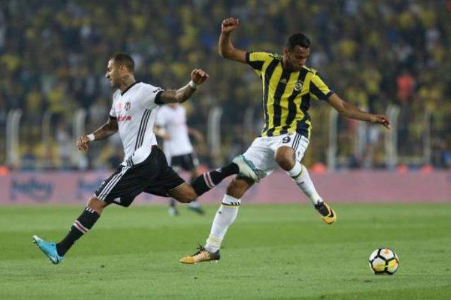 Fenerbahce prende gol, lui distrugge tv. De Souza: