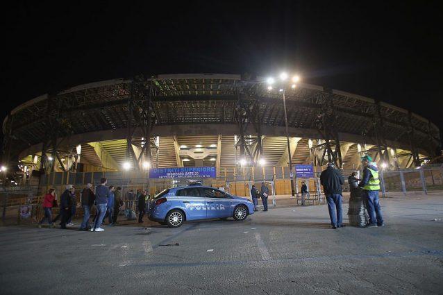 Cinture vietate al San Paolo ai tifosi del Manchester City