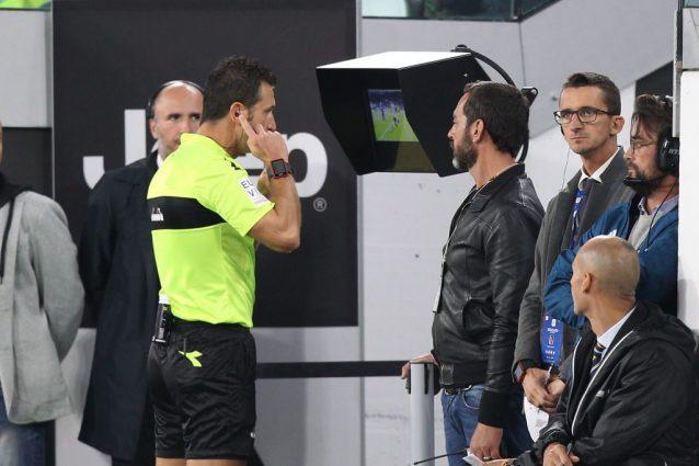 Roma, infiammazione al ginocchio per De Rossi: nazionale a rischio