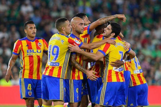 Pazzo Valencia, vince 6-3 in casa del Betis: Zaza e Kondogbia in gol, 2° posto solitario