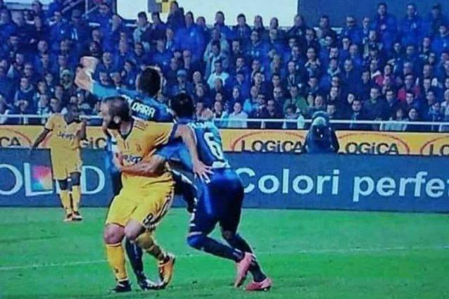 """Juve e il VAR, Marotta: """"Giusto il gol annullato a Manduzkic ma era rigore su Higuain"""""""