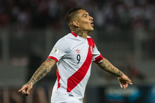 Perù, Guerrero positivo all'antidoping: sospensione di 30 giorni, salta i playoff mondiali