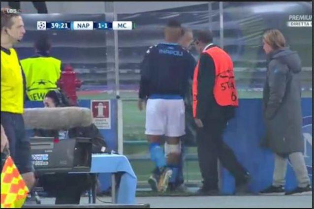 Napoli-City, Ghoulam uscito per un problema al ginocchio: le sue condizioni