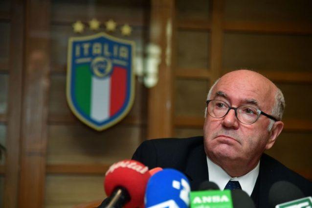 """Accuse a Tavecchio da una dirigente: """"Mi ha molestato"""". Replica: """"Tutto falso"""""""