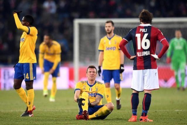 Infortunio Mandzukic, per il croato botta al polpaccio: in dubbio per Juve-Roma