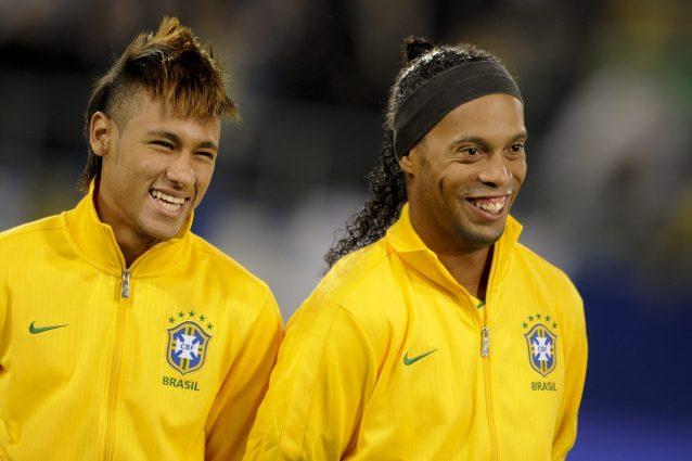 Ronaldinho lascia il calcio, il fratello annuncia il ritiro