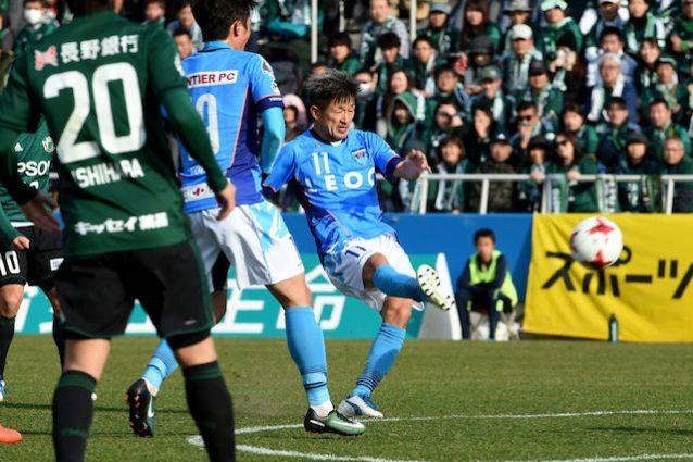 In campo a 51 anni: Miura rinnova ancora con il Yokohama FC