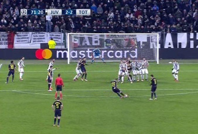 Buffon-Bernardeschi, acceso confronto per la punizione di Eriksen