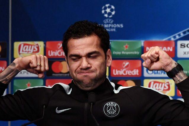 Dani Alves subito fuori dalla Champions: grave errore in PSG-Real