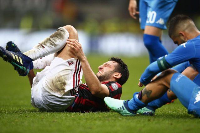 Milan, infortunio per Calhanoglu: si teme l'interessamento dei legamenti