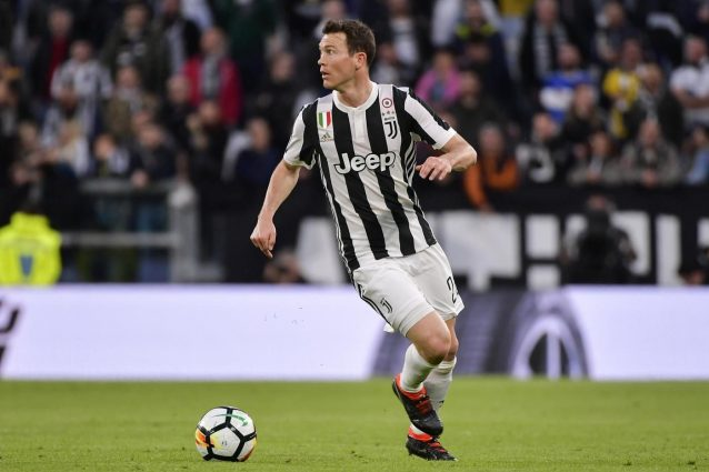 Juventus, Lichsteiner fa dietrofront: