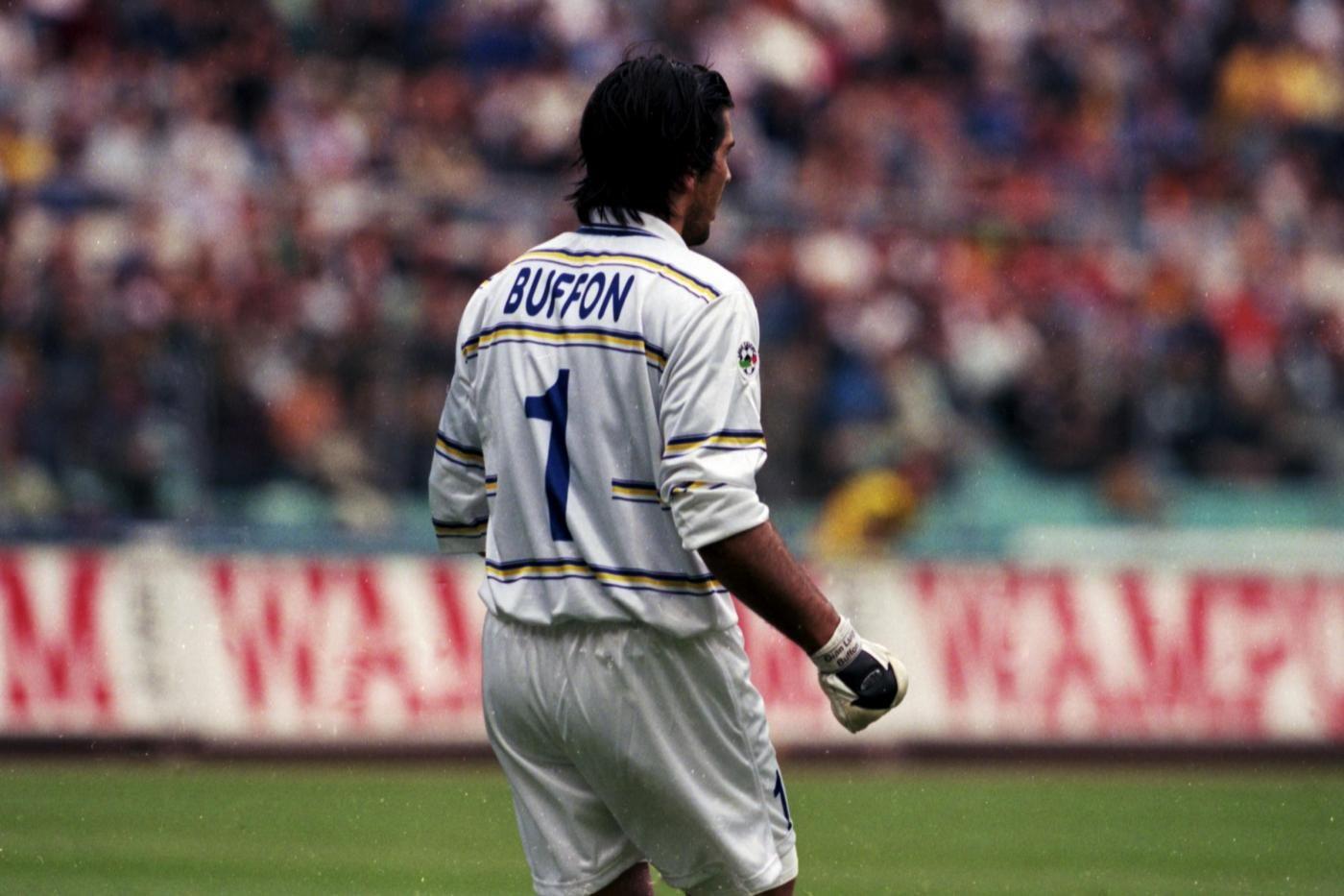 Un giovanissimo Buffon, ad inizio carriera ai tempi del Parma