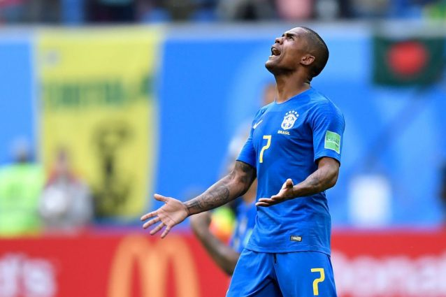 Mondiali, Douglas Costa infortunato: lesione muscolare, salta la Serbia