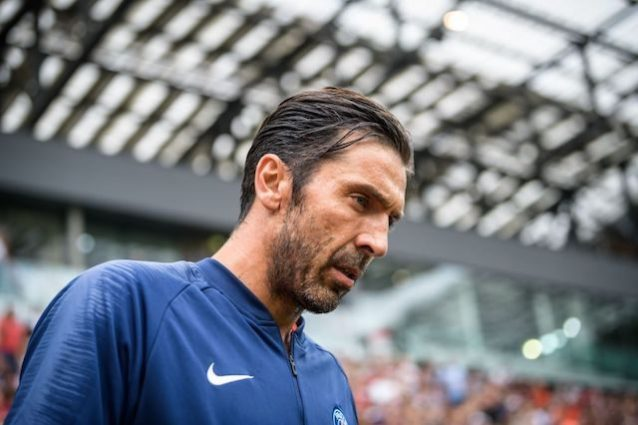 Buffon ancora k.o. col Psg. Manita dell'Arsenal a Singapore