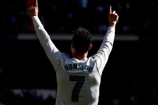 Ronaldo, Moggi: «Ha firmato per la Juve, fatte le visite a Monaco». Conferme dalla...
