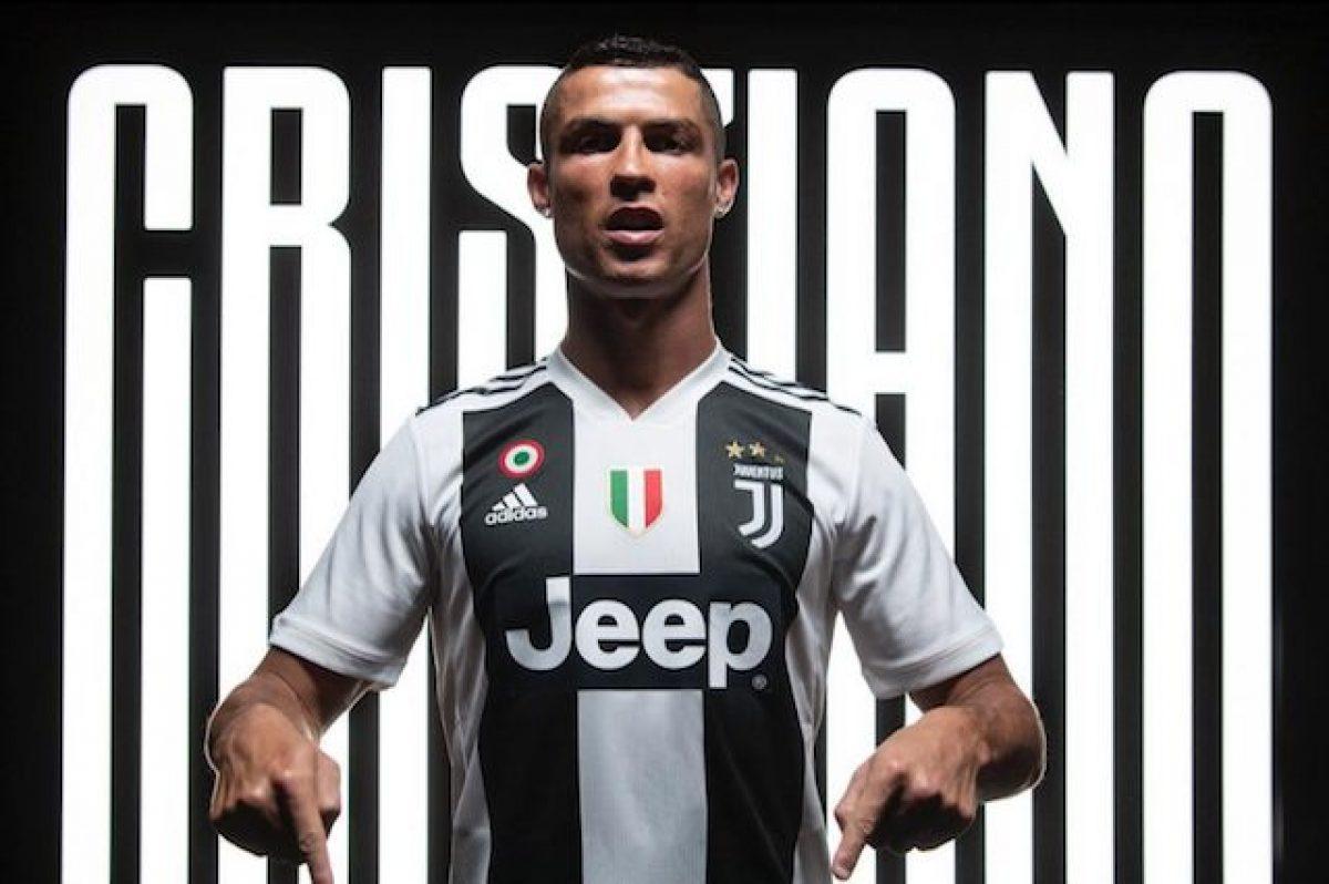 La Foto Cristiano Ronaldo Con La Maglia Della Juve Da Record E