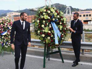 """Ponte Morandi, l'Italia sul luogo della tragedia. Mancini: """"Ciò che è successo è pazzesco"""""""