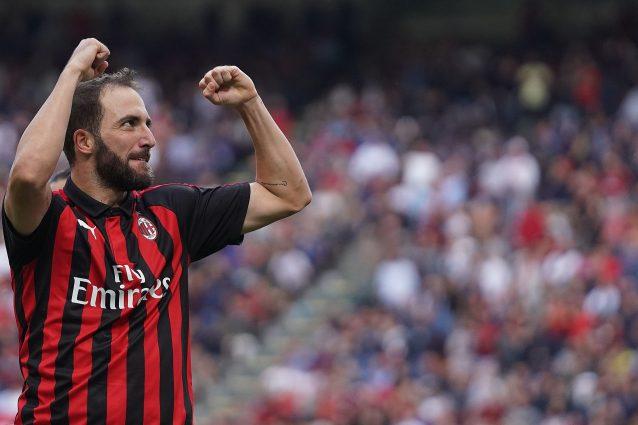 San Siro, fischi e insulti contro Bonucci dai tifosi rossoneri