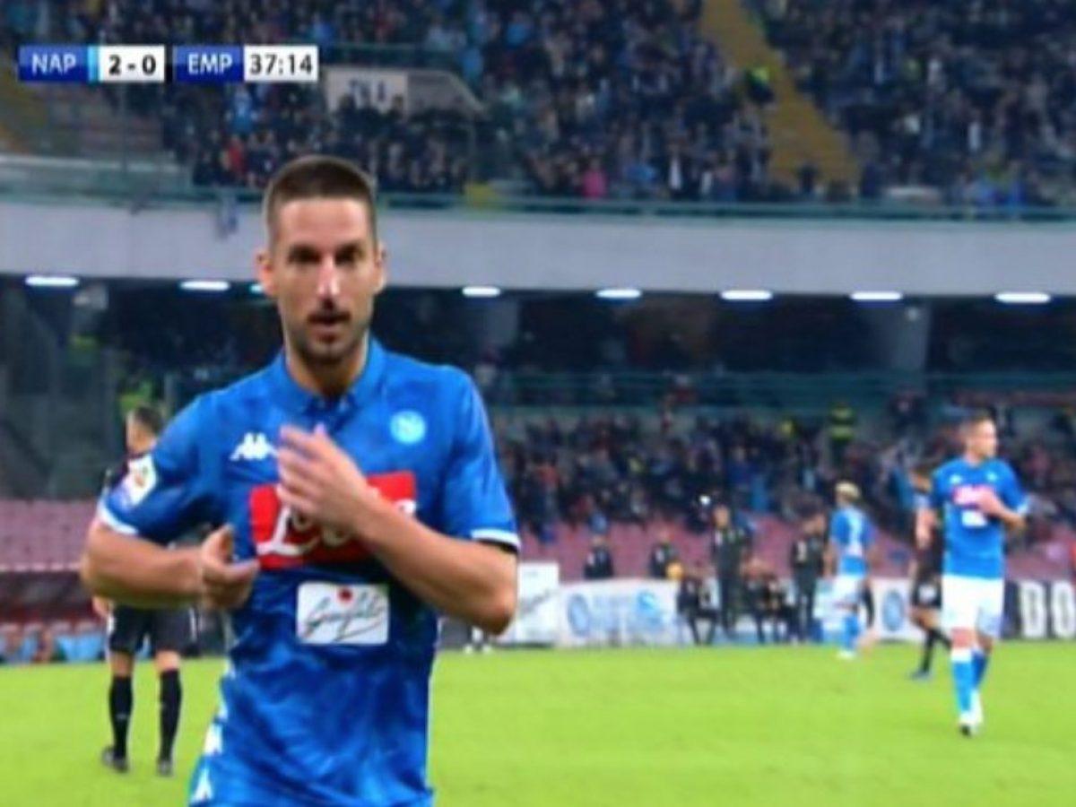 Il balletto di Mertens per i 98 gol  supera Careca in azzurro e ne imita  l esultanza 35101a047a747