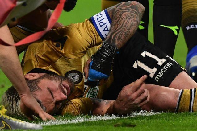 Udinese, Behrami si infortuna durante il match con il Milan: la situazione