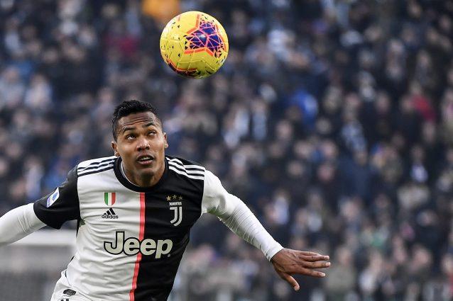Juventus, infortunio Alex Sandro: botta al costato, recupero