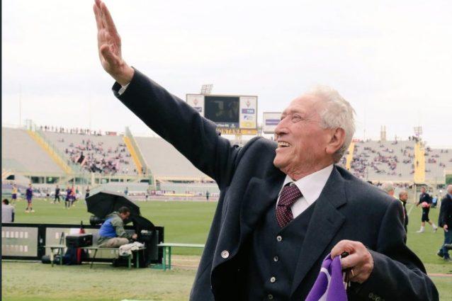 Fiorentina, lutto al braccio e minuto di raccoglimento per N