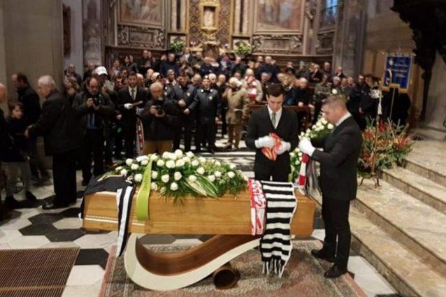 """Anastasi, il funerale: """"La Figc si vergogni, ha dimenticato"""