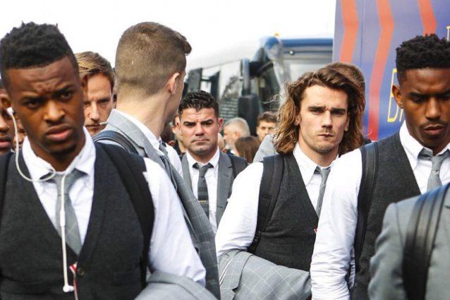 Il Barcellona è sbarcato a Napoli: giocatori 'accompagnati'