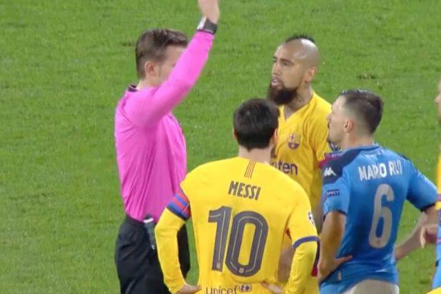 Perché è stato espulso Arturo Vidal in Napoli Barcellona