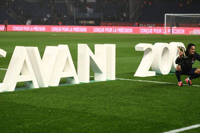 Cavani, doppietta al Bordeaux, e 200 gol con il Paris Saint