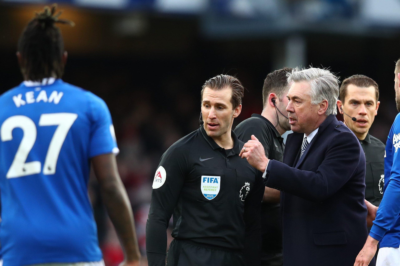 Ancelotti espulso nel finale di Everton-Manchester United